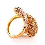 Prstani iz rumenega zlata